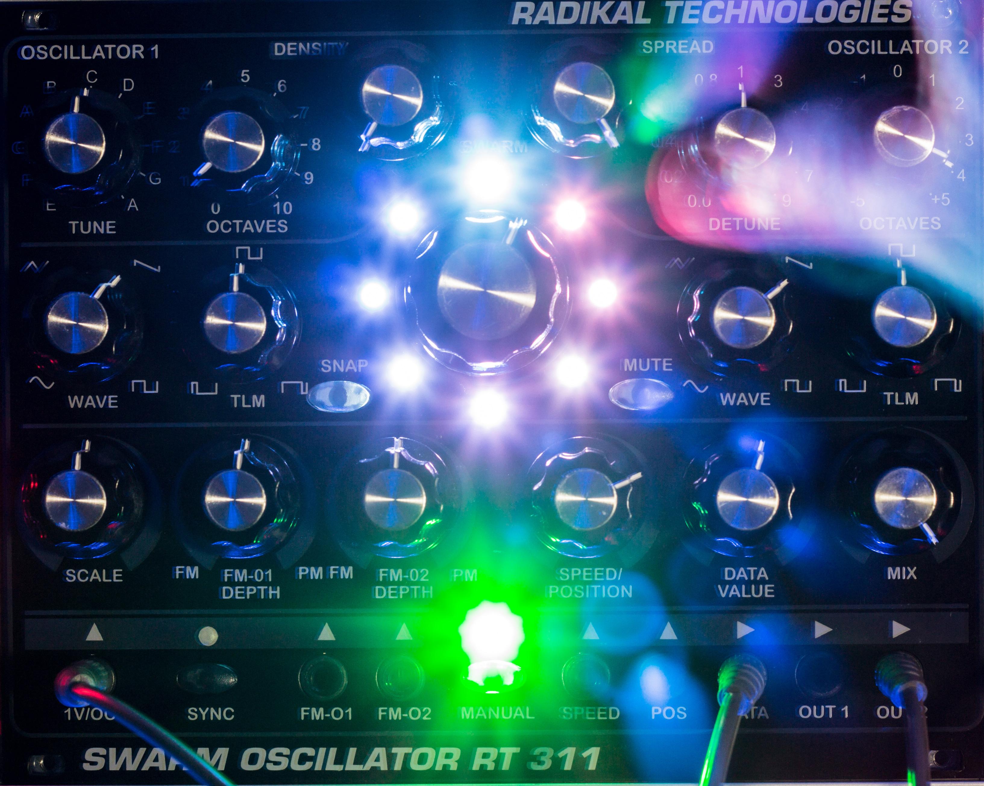 Radikal Technologies RT-311 Swarm Oscillator on LSD