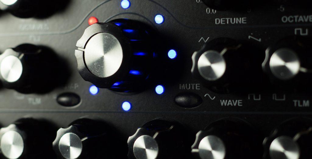 Radikal Technologies RT-311 Swarm Oscillator detail picture